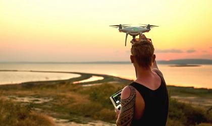 Лети-лети, дрон, возвращайся... Как получить разрешение для коптера?