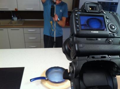 """В рекламном ролике """"снимались"""" 3 сковороды 3-х разных производителей"""
