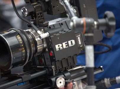 Съемку производили на дорогостоящую технику — камеру RED