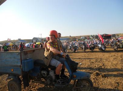 """Для съемок одной из серий, для эпизода на байк-фестивале, был найден """"старинный"""" мотоцикл, в народе известный как""""муравей"""""""